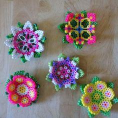 Set of 5 flowers perler beads by AuntieBoosCrafties 3d Perler Bead, Hama Beads Design, Diy Perler Beads, Pearler Beads, Fuse Bead Patterns, Perler Patterns, Beading Patterns, Bead Bowl, 8bit Art