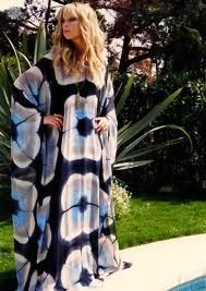 Need to finish my kaftan. I DIE for this vintage halston