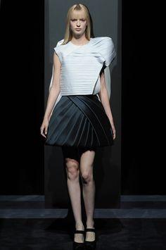 Dice Kayek Couture Fall Winter 2014 Paris - NOWFASHION