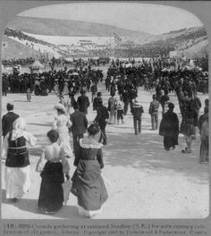 Postcard Photo Olympic Games - Crowds Gathering Athens Greece in 1907 Vintage Pictures, Old Pictures, Old Photos, Greece Pictures, Old Greek, Still Picture, Greek Isles, Athens Greece, Olympic Games