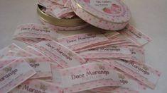 Etiquetas artesanais em cetim para peças em tecido.                                                                                                                                                                                 Mais
