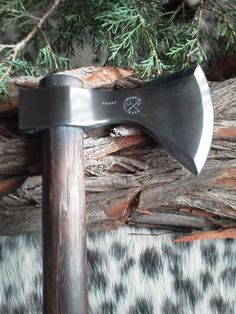 CUSTOM TOMAHAWKS by 2Hawks. Beautiful craftmanship...Bad ass too.