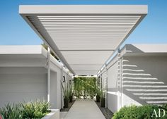 Front Entry | Curb Appeal | Portico Design | Palm Springs | Mid-Century Modern | Desert Home