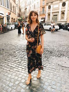 Summer Fashion Tips .Summer Fashion Tips Mode Outfits, Casual Outfits, Fashion Outfits, Womens Fashion, Europe Outfits, Long Skirt Outfits, Fashion Top, French Fashion, Modest Fashion