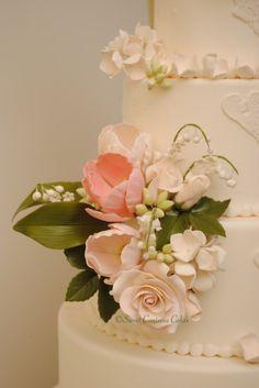 ❤Spring wedding cake * gateau de noces avec des fleurs de papier et peindre...entourer le faux gâteau de papier