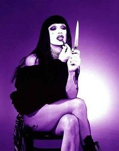 Pete Burns make up by knife