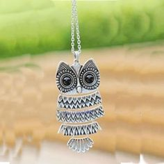 Vintage Silver Owl Pendant Necklace R Vintage Owl, Vintage Silver, Vintage Ladies, Owl Necklace, Pendant Necklace, Origami Owl Jewelry, Owl Pendant, Chain Pendants, Jewelry Stores