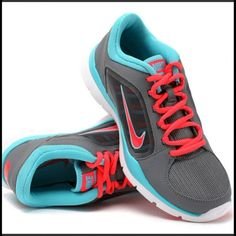 Nike Women's 6.5! Nikes running shoe. Light weight. Brand new! Two sets of laces. Nike Shoes Athletic Shoes