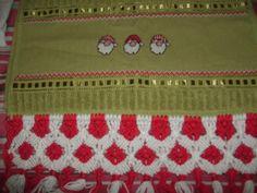 toalha de lavabo, bordada em ponto cruz,com barrado em macramê,aceito encomendas; inesmoreira60@hotmail.com