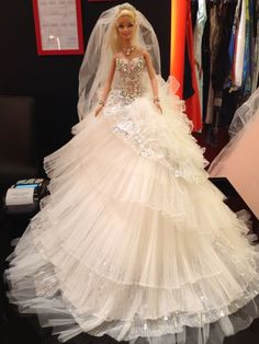 It's your moment.. it's your day.. it's your wedding night.. be unique and fashionable with Je T'aime group boutique.