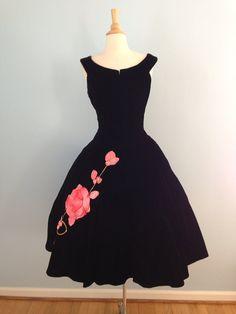 Stunning!  1950s dress / 50s black velvet dress / La Vie en Rose dress Women's vintage fashion clothing party