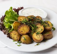 I'm a huge potato fan so when I had the chance to recreate Chef Billy Parisi's Grilled Potato Salad with Mustard Dressing, I was all in! Q&A Billy Parisi Garlic Dipping Sauces, Potato Salad Mustard, Oven Roasted Potatoes, Mediterranean Diet Recipes, Side Dish Recipes, Soup And Salad, Food Dishes, Food Food, Easy Meals