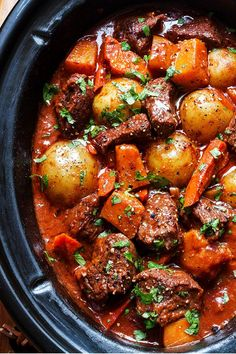 Slow Cooker Beef Stew with Butternut, Carrot and Potatoes - - Slow Cooker Beef Stew with Butternut, Carrot and Potatoes winter meals Slow Cooker Beef Stew — A hearty and delicious beef stew that is loaded with hearty veggies and incredible flavor! Beef Stew Crockpot Easy, Homemade Beef Stew, Slow Cooked Beef, Beef Stew Slow Cooker, Beef Bourguignon Slow Cooker, Beef Stews, Streetfood Market, Diced Beef Recipes, Beef Dishes