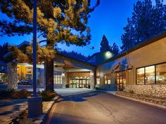 Mammoth Lakes (CA) Best Western PLUS High Sierra Hotel United States, North America Located in Mammoth Lakes City Center, Best Western PLUS High Sierra Hotel is a perfect starting point from which to explore Mammoth Lakes (CA). The hotel has everything you need for a comfortable stay. 24-hour front desk, Wi-Fi in public areas, business center, elevator, bar are just some of the facilities on offer. Whirlpool bathtub, non smoking rooms, air conditioning, wake-up service, desk c...