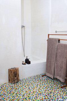 Amazing floor, bathroom