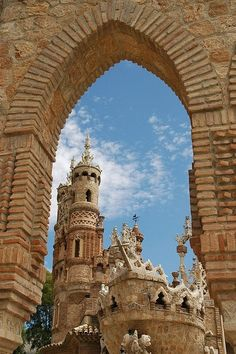 Castillo de Colomares in Benalmádena, Spain, was built by Esteban Martin, a doctor with no architectural background. Dr Martin & 2 local brick layers spent 7 years creating the castle honoring Christopher Columbus & the discovery of America. For the doctor the project was a labor of love undertaken in his spare time. He combined Byzantine, Roman, Gothic & Mudejar architectural styles, while including finely carved representations of Columbus' historic journey.