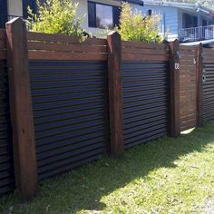 80 Inspiring Cheap Backyard Privacy Fence Design Ideas - Page 2 of 84 Cheap Privacy Fence, Privacy Fence Designs, Backyard Privacy, Diy Fence, Backyard Fences, Backyard Ideas, Pallet Fence, Cheap Fence Ideas, Privacy Fence Decorations