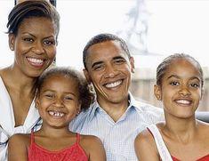 President Barack Obama and family Barack Obama Family, Malia Obama, Michelle And Barack Obama, First Black President, Mr President, Obama Family Pictures, Family Photos, Black Presidents, American Presidents