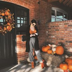Waiting for the trick or treaters like. Zoella Outfits, Girly Outfits, Cute Outfits, Fashion Outfits, Fashion Tips, Fall Winter Outfits, Autumn Winter Fashion, Zoe Sugg, Autumn Aesthetic