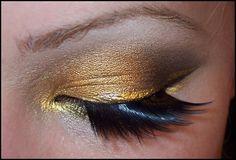 "Monroe Misfit Makeup - Illamasqua liquid metal ""Solstice"" eye look"