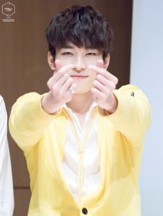 Is it possible to miss Wonwoo while he's sick even though I've never met him??