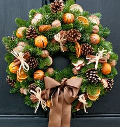 Traditional Christmas   adoremydoor Christmas Flower Decorations, Christmas Flower Arrangements, Christmas Door Wreaths, Holiday Wreaths, Christmas Crafts, Christmas Ornaments, Natural Christmas, Christmas Traditions, Wreaths