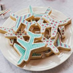 Google Image Result for http://media4.onsugar.com/files/2012/03/11/1/192/1922664/39f6b63ed6a69bb6_square.larger/i/Airplane-Birthday-Party.jpg
