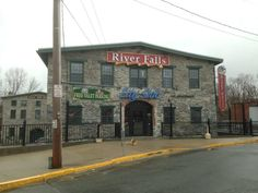 River Falls Restaurant is found on the banks of the beautiful Blackstone River in the historical city of Woonsocket.