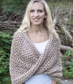 How to Crochet Mobius Twist Shawl and Hooded Cowl Video Tutorial by naztazia. Skill Level: Easy Although it looks kind of complicated, this is one of the easiest shawls you will ever crochet. Plus you will learn a super easy way of joining a long chain into a ring without it getting twisted. Made with Lion Brand Wool-Ease Tonal bulky weight yarn and a size P (10-12mm) crochet hook, you can crochet this wrap very quickly. More Patterns Like This!