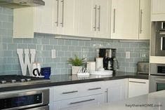 Learn easy ways to decorate your kitchen counters to add style to your kitchen without the clutter. #kitchendecor #decoratingideas #functional #clutterfree #kitchen #homedecor Ranch Kitchen Remodel, Kitchen Remodel Pictures, Budget Kitchen Remodel, Kitchen Cabinet Remodel, Kitchen Cupboard, Remodel Bathroom, Fixer Upper, Armoire Ikea, Kitchen Remodel Before And After