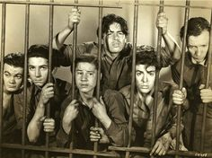 photo Leo Gorcey & Dead End Kids in the hoosegow Crime School Hooray For Hollywood, Golden Age Of Hollywood, Vintage Hollywood, Classic Hollywood, The Way I Feel, Thats The Way, Billy Halop, Leo Gorcey, The Bowery Boys