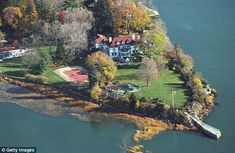 Kathy Lee and Frank Gifford's home on Greenwich Point in Greenwich, CT is shown in this aerial photo taken in the autumn of 2001 Kathie Lee Gifford, Celebrity Mansions, Celebrity Houses, Rich Home, Old Shows, Creature Comforts, My Dream Home, New England