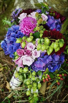 beautiful fall hues in hydrangeas, asters, dahlias, roses and hops for a late summer wedding Floral Wedding, Wedding Flowers, Wedding Day, Wedding Things, Wedding Bells, Purple Bouquets, Bride Bouquets, August Bride, Late Summer Weddings