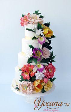 Tarta de Boda en Cascada -Cascade Wedding Cake - by Yocuna @ CakesDecor.com - cake decorating website