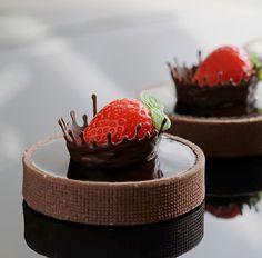 Baking desserts cakes cupcakes chocolate ganache 28 ideas for 2019 Fancy Desserts, Just Desserts, Delicious Desserts, Baking Desserts, Mini Cakes, Cupcake Cakes, Cake Recipes, Dessert Recipes, Dessert Food