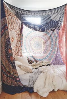 Converting simple rooms to modern bohemian bedroom styles Find and Enjoy Bohemian bedrooms on TERMIN(ART)ORS. Hippy Bedroom, Bohemian Bedroom Design, Boho Room, Bohemian Bedrooms, Tapestry Bedroom Boho, Budget Bedroom, Bedroom Ideas, Bedroom Designs, Bedroom Styles