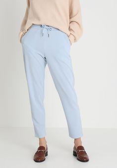 Soyaconcept Pantalones - skyway - Zalando.es Suits, Fashion, Elastic Waist, Slacks Outfit, Pockets, Drop Crotch, Legs, Sports, Moda