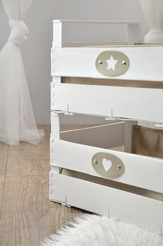 Sweet home : Puuviljakastide uus elu Creative Crafts, Diy And Crafts, Creation Deco, Baby Decor, Diy Projects To Try, Ladder Decor, Crates, Repurposed, Decoupage