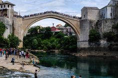 Mostar. Small city in Bosnia & Herzegovina. And this is how boys become men. So what does it take? Easy, jump off the bridge. Locals [...]