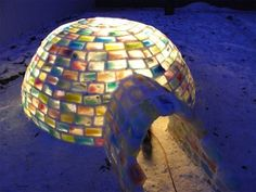 Amazing rainbow igloo made from 500 milk carton ice blocks! At-at Walker, Un Igloo, Igloo Building, Rainbow Milk, Rainbow Water, Kids Rainbow, Kalter Winter, Green Architecture, Amazing Architecture