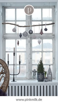 Christmas With the Christmas tree festive mood moves in Yo Christmas With the Christmas tree festive mood moves in Yo Lara Palmer Fireplace Room Divider LPF Fireplace Room nbsp hellip Bohemian Christmas, Cosy Christmas, Scandinavian Christmas, Christmas Candle Decorations, Holiday Decor, Idee Diy, Diy Fireplace, Diy Décoration, Christmas Inspiration