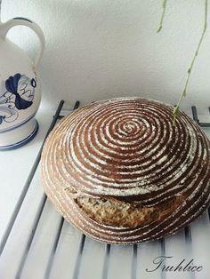 Truhlice: Zázrak jménem chléb Wicker, Decorative Bowls, Baking, Food, Bakken, Eten, Bread, Backen, Meals