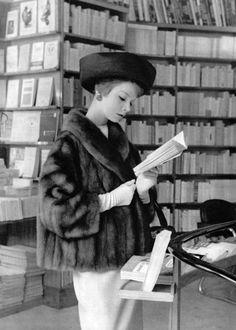 Fur coat Revillon, hat Gilbert Orcel, 1958