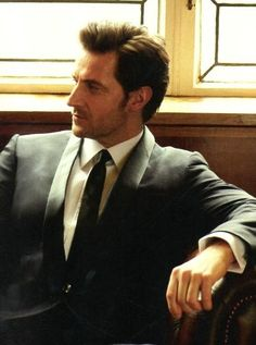 Richard Armitage - My new celeb crush!  Who knew British guys could be so hot!<---Previous pinner EVERYBODY KNEW THAT!