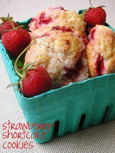 mmm strawberry shortcake cookies so easy too!
