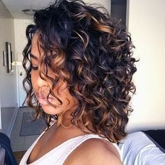 Hair Curly Color Girls Ideas For 2019 Curly Hair Tips, Short Curly Hair, Curly Hair Styles, Natural Hair Styles, Curly Girl, Curly Hair Layers, Curly Bob, Medium Curly, Style Curly Hair