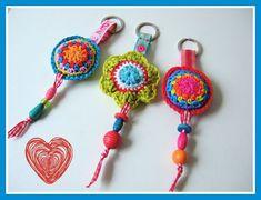 Be pretty by Beate Crochet Keychain, Crochet Bracelet, Crochet Earrings, Crochet Stitches, Knit Crochet, Crochet Patterns, Crochet Accessories, Handmade Accessories, Christmas Craft Show