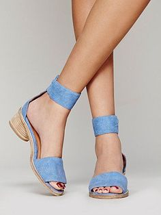 Chic and Comfy. Pefect for preggo days or wandering with baby/chasing toddler. Jeffrey Campbell Open Toe Sandals - Borgia Block Heel