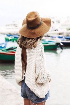 How to Chic: FLOPPY SUEDE HAT