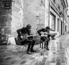 Street musicians in the Marais! #paris #ruedesrosiers jetlagandjewels.blogspot.com